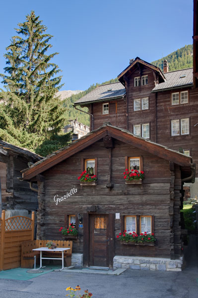Chalet Graziella in the center of Zermatt